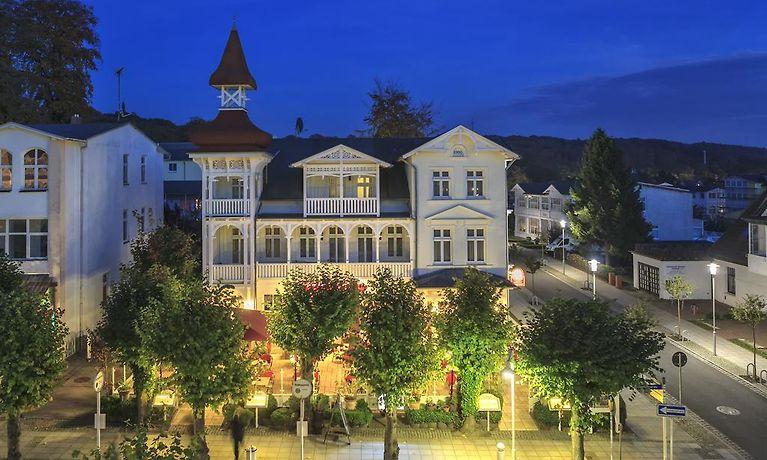 Hotel villa waldfrieden sellin for Villa sellin rugen
